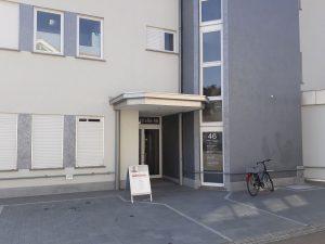 Heilpraxis-Lauchringen-Praxisrundgang-Bild-Hauseingang